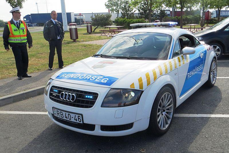 File:Hungary police car 04.JPG