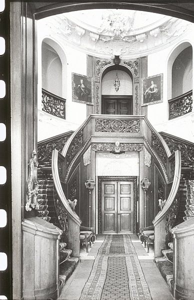 File interieur overzicht hal trappenhuis rheden for Interieur 777