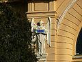 Invalidenhauskirche linker Engel.JPG