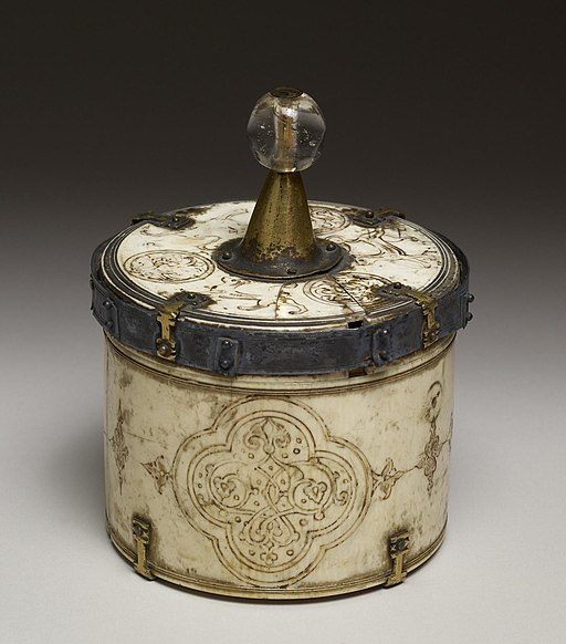 Italian - Pyx with Arabesques in Quatrofoil Frames - Walters 71314 - View A