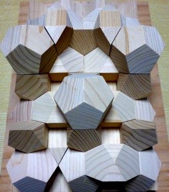 Regular dodecahedron - Image: J91