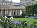 Jardin du Palais-Royal, 18 July 2005 04.jpg
