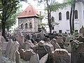 Jewish cemetery Prague-Josefov.jpg