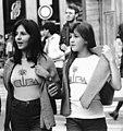 Két lány Cuba feliratos pólóban, 1978. Fortepan 74207.jpg