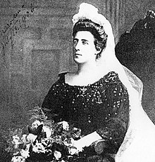 Kate and veil signed 1906.jpg