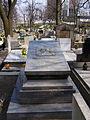 Katowice - Cmentarz - Francuska - Grobowiec rodziny Rostek.JPG