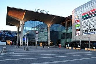 Katowice railway station - Image: Katowice stacja bud. dworcowy