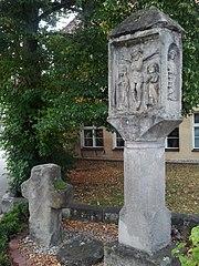 Martersäule und Steinkreuz