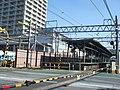Keio Kokuryo station platform 20100220.jpg