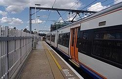 Kentish Town West railway station MMB 01 378213.jpg