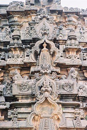 Lakkundi - Kirtimukha decoration at Kasivisvesvara Temple at Lakkundi
