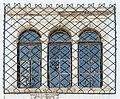 Klagenfurt St Peter Schloss Welzenegg West-Seite Drillingsfenster 06062016 3288.jpg