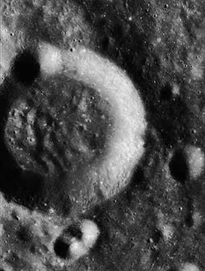 Kosberg (crater) - Image: Kosberg crater AS15 P 8921
