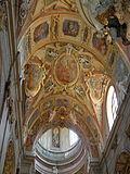 Kostel Navštívení P. Marie na Sv . Kopečku u Olomouce - interier.JPG