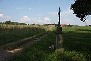Krzyż przydrożny w okolicach Lubomierza (2).JPG