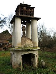 kryt studny se sochou svatého Jana Nepomuckého