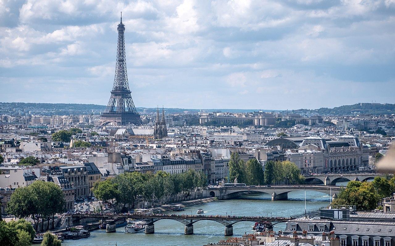 Pais - France - Ville - Tour Eiffel - Monument - Seine - Pont - Immeubles - Paysage urbain - SchoolMouv - Géographie - CM2