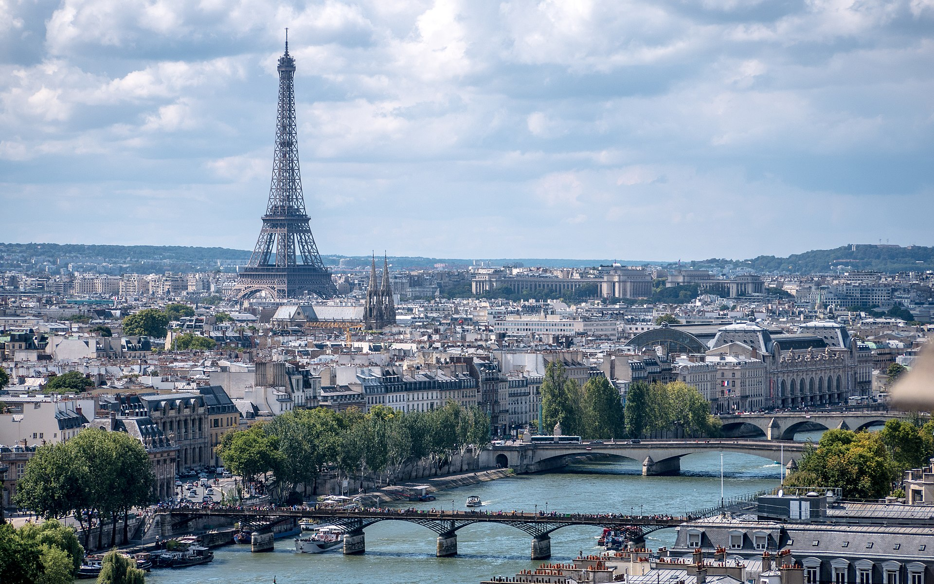 La Tour Eiffel vue de la Tour Saint-Jacques, Paris août 2014 (2).jpg