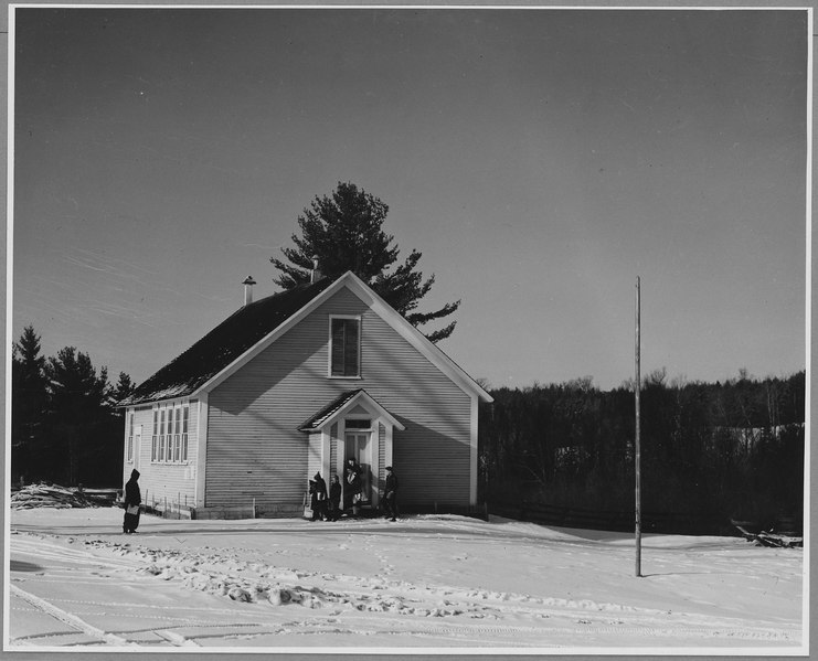 "Landaff, Grafton County, New Hampshire. The ""Blue School"" is one of 3 one-room schools in Landaff. G . . . - NARA - 521531"