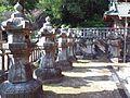 Le Temple Shintô Takisan-Tôshô-gû - Les lanternes de pierre.jpg