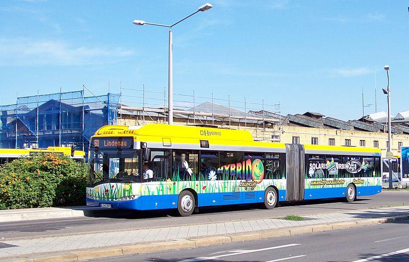 Solaris Urbino 18 Hybrid der Leipziger Verkehrsbetriebe - © Johannes Kazah / CC-BY-SA-3.0 (via Wikimedia Commons)