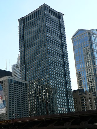 Leo Burnett Building - The building from the Chicago river.