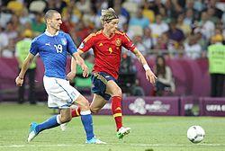 Torres contro Bonucci nella finale dell'Europeo 2012 tra Spagna e Italia