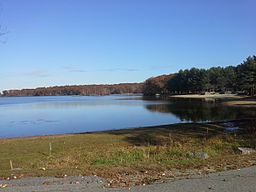Lincoln Woods State Park in Rhode Island USA.jpg