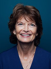 Lisa Murkowski official photo (cropped).jpg