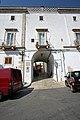 Locorotondo, Porta Nuova (sec XIII) - panoramio.jpg
