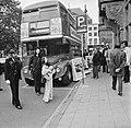 Londense dubbeldekbus in Den Haag ter bevordering van toerisme, Bestanddeelnr 926-7045.jpg