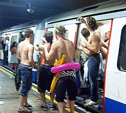 Looking for the Pool Party at the Circle Line Party (2540700764).jpg