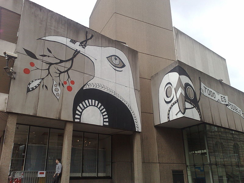 File:Lucy-Mclauchlan-Birds-Birmingham-Central-Library-2010.jpg