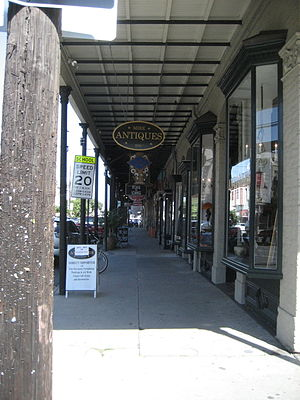10th Ward of New Orleans - Row of shops along lower Magazine Street in the 10th Ward
