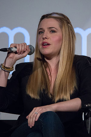 The Farm (The Office) - Majandra Delfino guest starred as Dwight's sister.