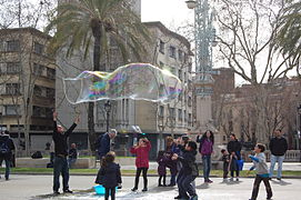 Making giant soap bublles in Barcelona March 2015 (12).JPG