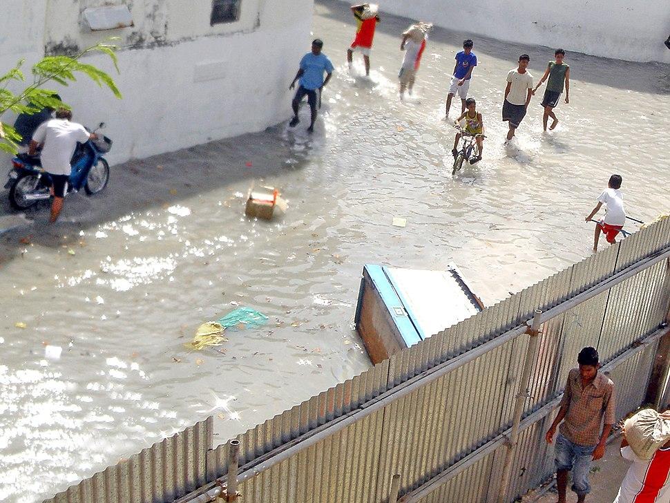 Malé after tsunami (cropped)