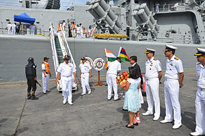 India–Mauritius relations - Mauritius naval officers welcome Indian Navy personnel at Port Louis, Mauritius on 31 October 2014.