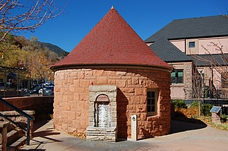 Manitou Mineral Springs - Shoshone Spring, Manitou Avenue
