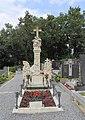 Maria Dreieichen - Priestergrab.JPG