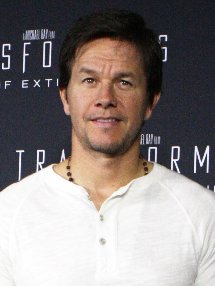 Mark Wahlberg May 2014 (cropped)