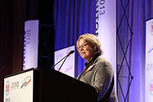 Maryann Keller @ NADA JD POWER AUTO FORUM.jpg