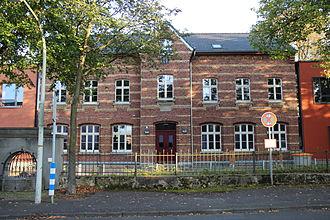 École de Gaulle-Adenauer - School building