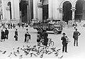 Mediolan. Żołnierze Waffen SS na ulicy miasta (2-2101).jpg