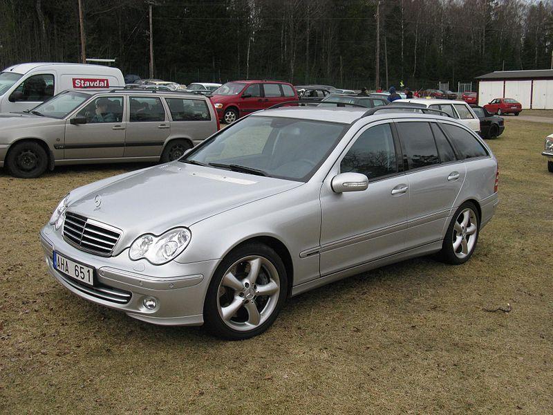 File:Mercedes-Benz C350 T (5636495204).jpg