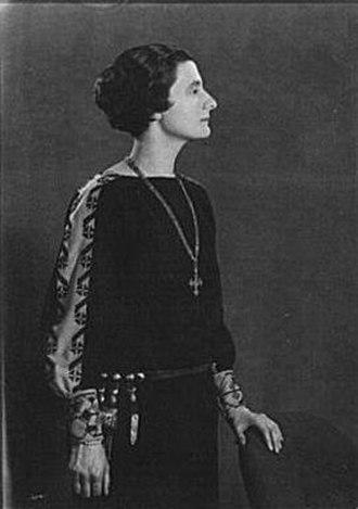 Mercedes de Acosta - Arnold Genthe (1869–1942)/LOC agc.7a08461. Mercedes Hede de Acosta, after 1919