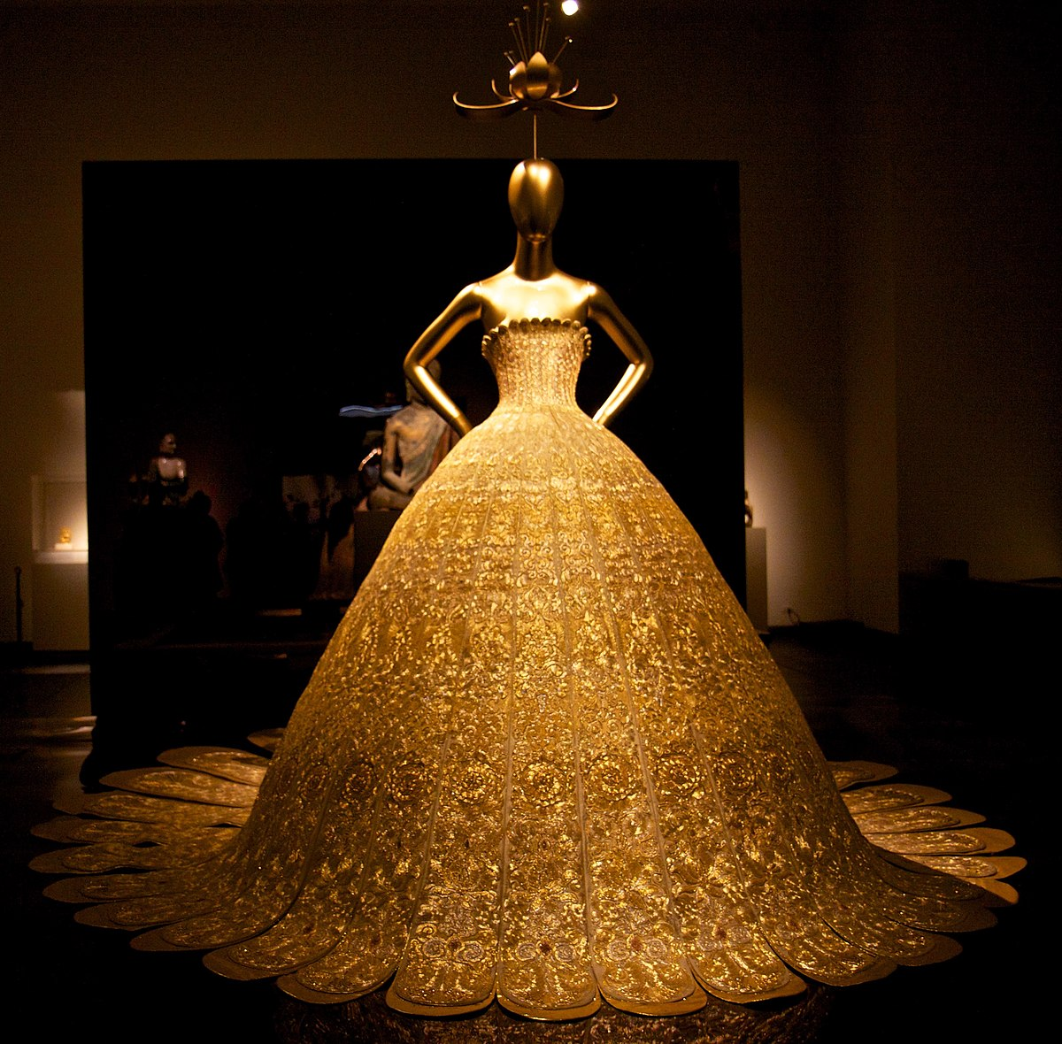 Art Show Ideas Guo Pei Wikipedia