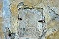 Micheldorf Lorenzenberg 68 Filialkirche hl Laurentius Westwand Iunones-Weihealtar-Fragment 07082014 056.jpg