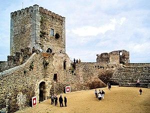 Reguengos de Monsaraz - Image: Monsaraz Castle CCBY