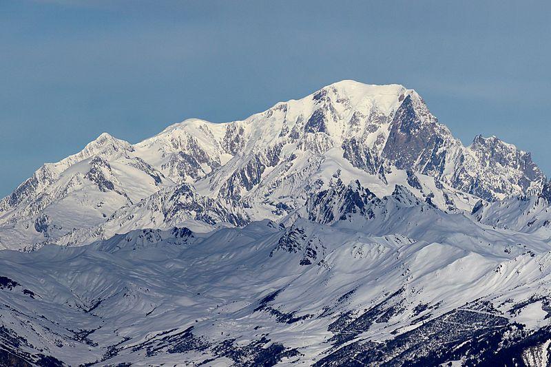 Face sud du mont Blanc en hiver depuis la Tarentaise